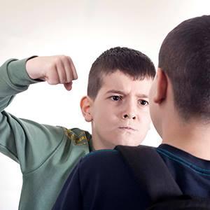 Дълбокото страдание зад училищната агресия